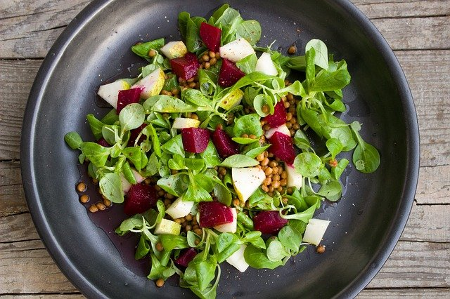 Salad leaves, pear, lentils and beetroots